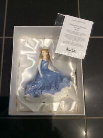 Royal doulton petites thoughtful dreams doll