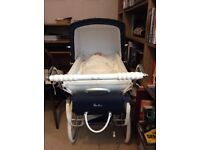 Silver Cross Oberon Dolls Pram, immaculate condition, lovely Xmas Present for a lucky little girl.