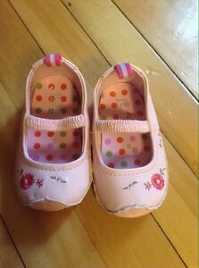 Baby's shoes, pink floral mary jane flats, size 3