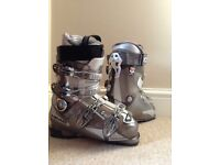 Brand new never worn unisex ski boots