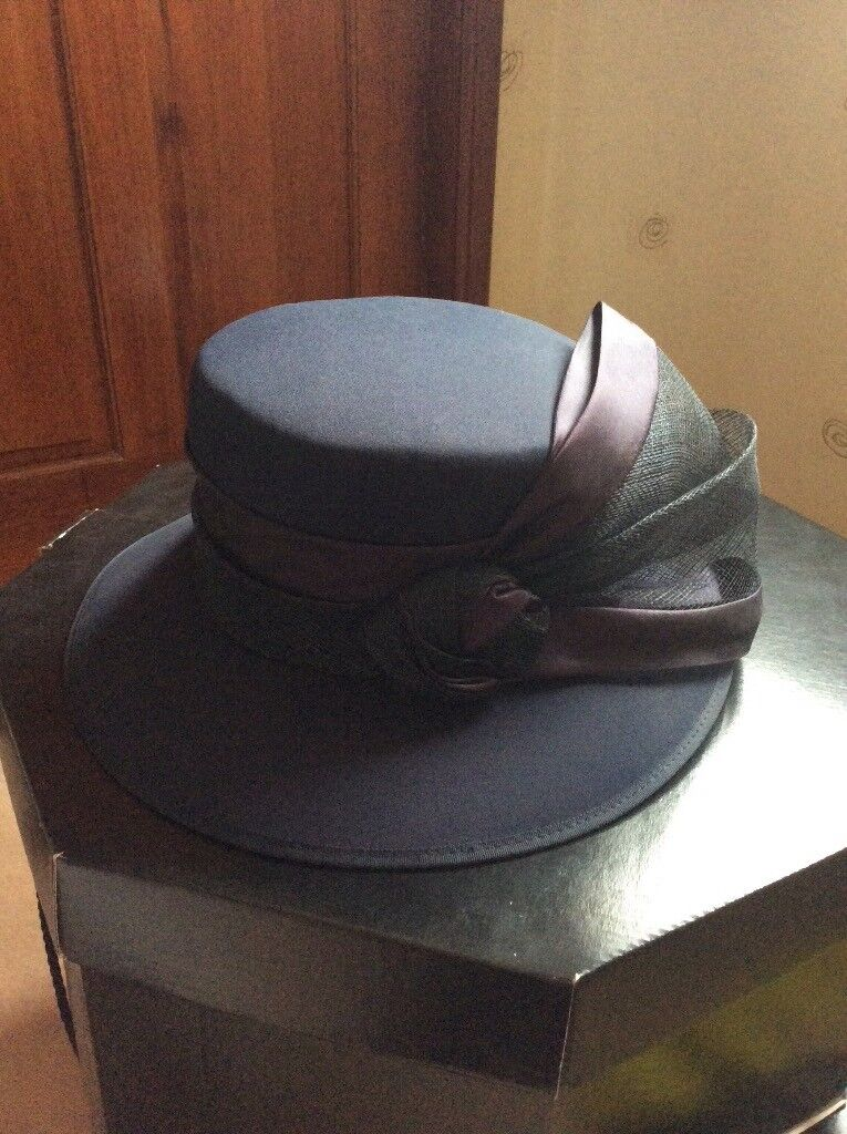 Navy blue ladies hat