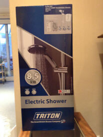 Triton 8.5 kw Thermostatic Electric Shower. Almost new, boxed with guarantee