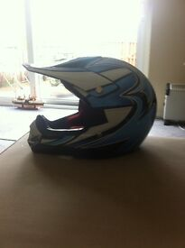 kids can motorcross helmet size small.