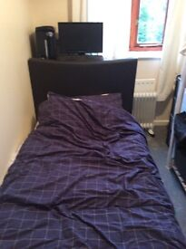 Small room to let