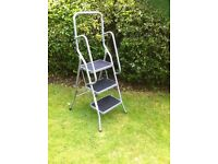 SCOTTS OF STOW 3 STEP SAFETY LADDER - Brand New/ unboxed