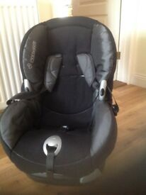 Maxi-cosi childs car seat. Not involved in any accident. Polystyrene broken left side. Cover clean.