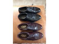 2No Pair of Men's Size 8 Clarkes Shoes