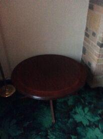 Polished mahogany pedestal coffee table