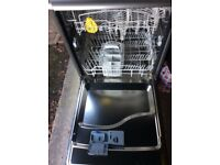 INDESIT Silver Dishwasher in excellent condition and working order
