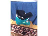 Lange ski boots size 2-3