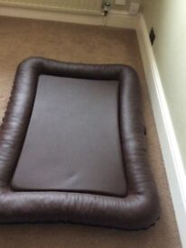 Immaculate Xtra Large Leather Dog Bedremvable cover easy to clean like New