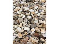 20 mm York cream garden and driveway chips/stones