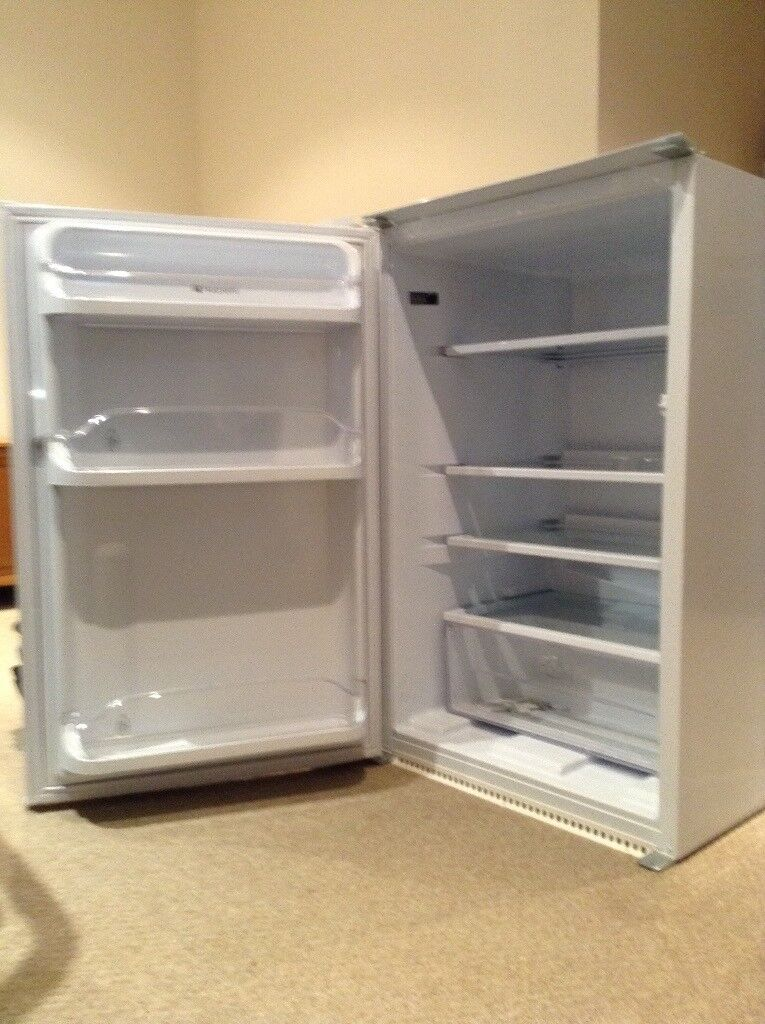Built-in (integrated) Hotpoint fridge in full working order