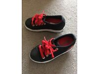 Heeleys skate shoes black and red