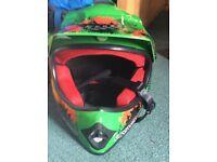Childs Motocross helmet, green arrow, ACK-49, size-55-56cm, medium. Unused. excellent condition.