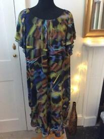 JASPAR CONRAN Fluid Fully Lined Abstract Design Dress