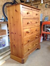 Chest of drawers x2, bedside drawersx2