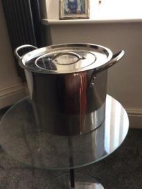Stainless steal pot medium