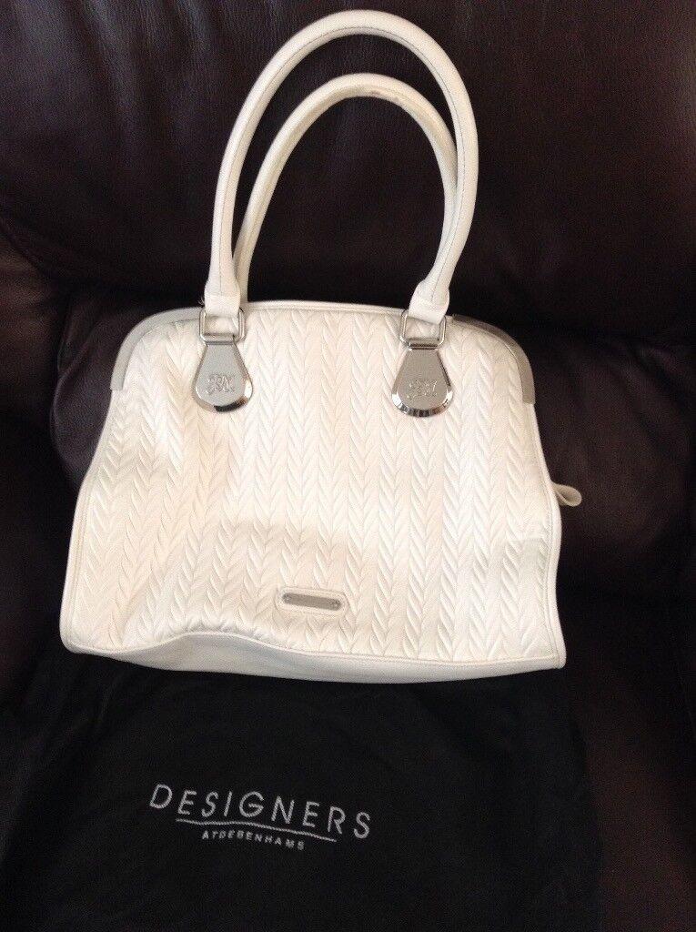 030bc0dba637 White ladies handbag very little used