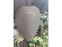 96 Roof tiles plus 10 corner roof tiles in good condition