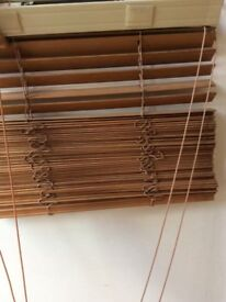 Wooden venetian blind various sizes collect in Portsmouth