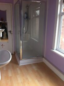 Room in shared house in Newark £70 per week no deposits or bonds