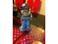 Nao by Lladro Figurine 'Harlequins concerto' clown
