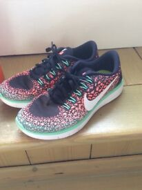 NIKE Free Run Distance Flyknit peach and green Women's UK Size 4.5
