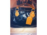 BLACK LOUIS VUITTON SPEEDY HAND BAG (USED)