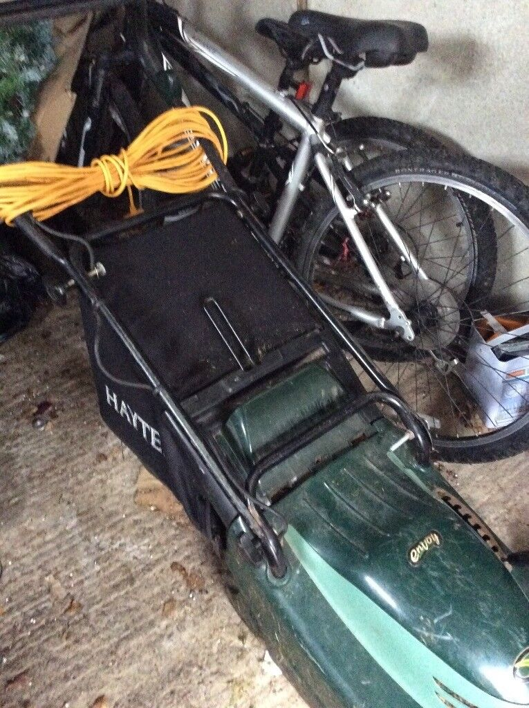 Hayte envoy lawnmower nice and powerful fr difficult gardens good condition buyers