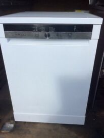 Grinding dishwasher. White freestanding.