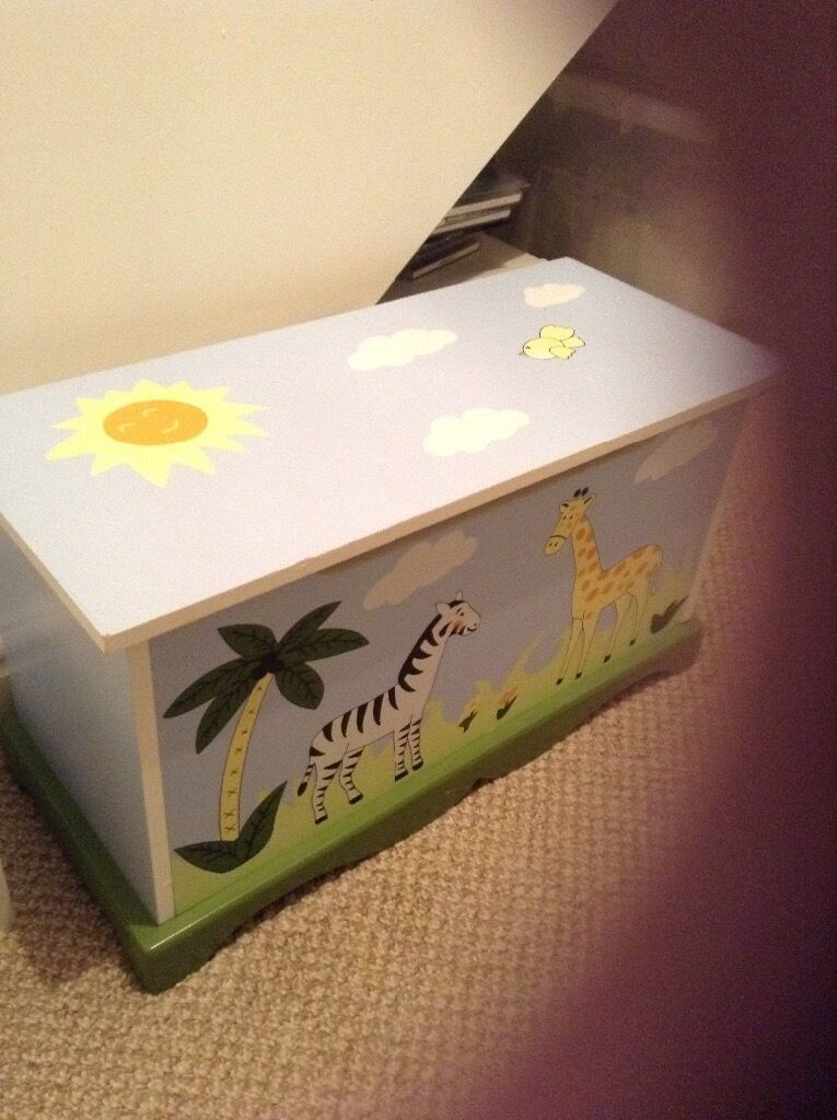 Safety hinged Toybox