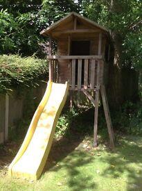 Tree house/Wendy house on stilts