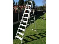 Youngman aluminium stepladders 7ft tall suitable for DIY or professional use. Cost £130 sell for £40