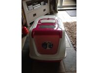 Cat flip top litter tray in excellent condition