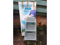 XL Dog Booster Bath and steps