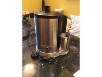 Waring juice extractor