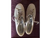 Converse Trainers Size 8.Brand new