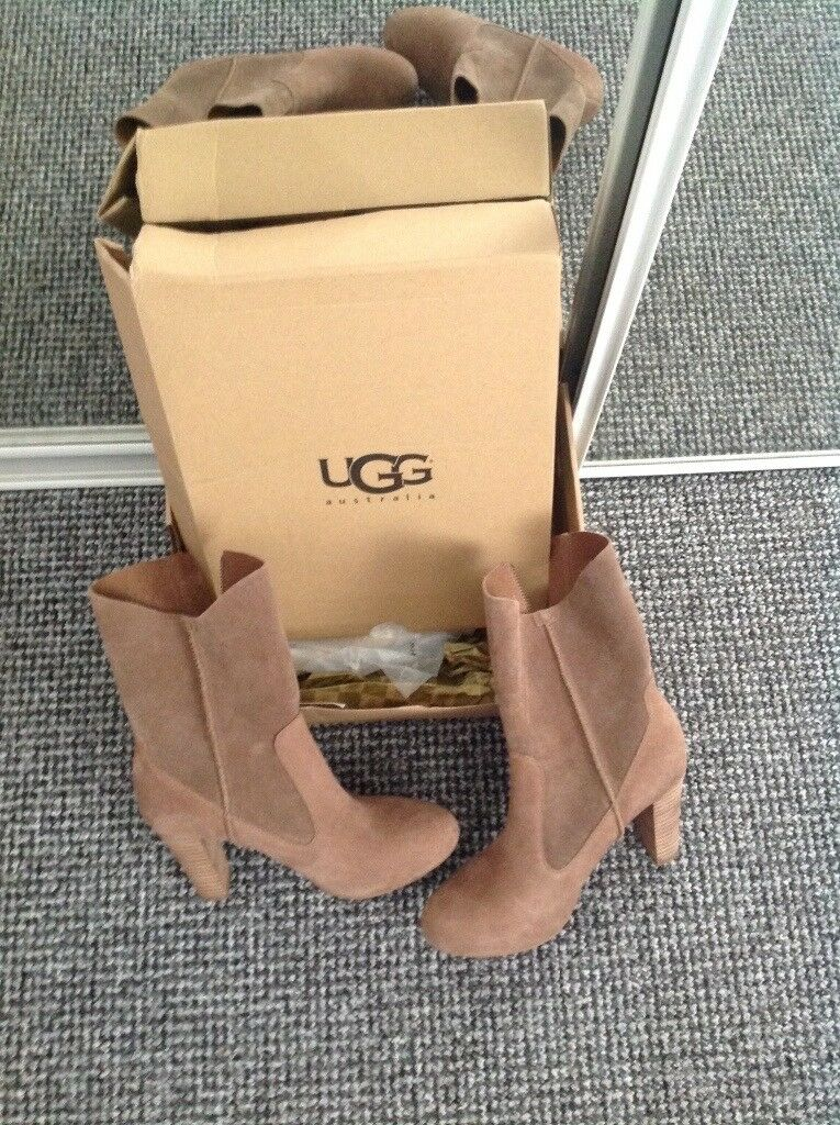 Ugg boots for sale size 5.5