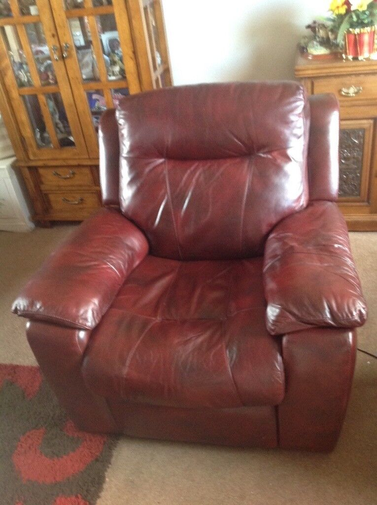 Electric Leather Recliner Chair.