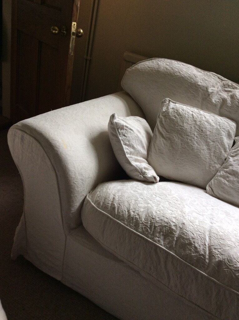 Charming Sofa Two Seater White/cream Removable Machine Washable Covers Very Comfy    Small Mark On