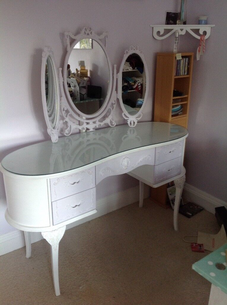 Girls Kidney Shaped Dressing Table With Triple Mirror And Stool.