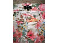 Strechy Flowery Womens Jeans size 42