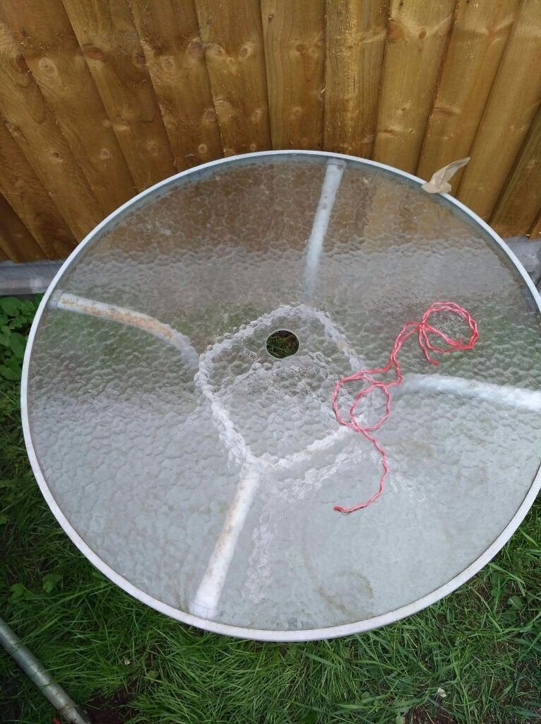Garden tablein Southmead, BristolGumtree - Garden table. collect Only in southmead. Please Only Text or email. Thanks