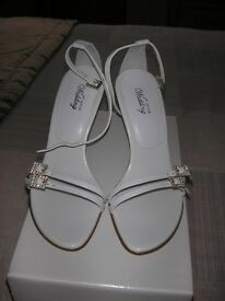 The Office - White Leather Diamante Buckle Sandal, Size 4