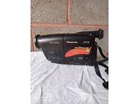 vintage panasonic video camera NV-RX15B & Bag