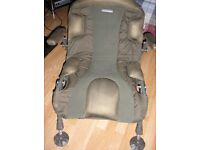 trakker Compact level light Chair