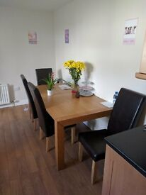 A Single bedroom in a very nice four bedroom house off the lisburn road