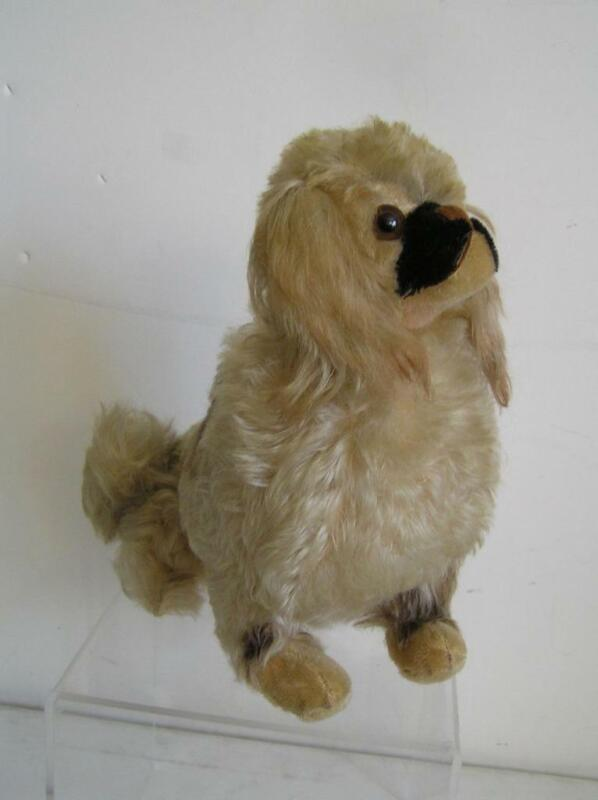 Antique Eduard Cramer sitting Lifelike Mohair Pekinese Dog made in Germany1940