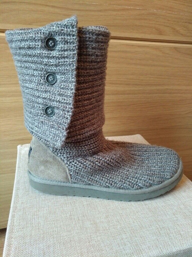 GREY CLASSIC CARDY UGG BOOTS (Size UK 7)